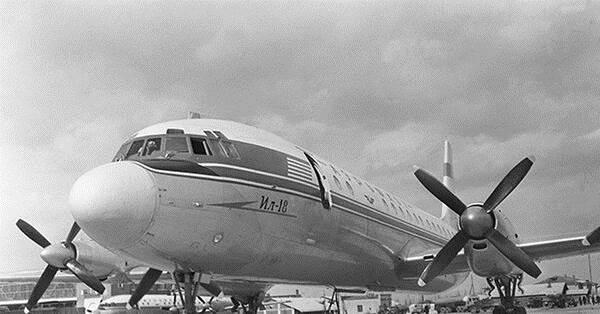 Попытка французского истребителя сбить самолет Брежнева!  ( 5 фото )