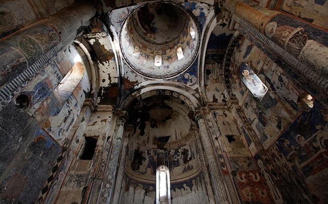 Древний город-призрак Ани (27 фото)