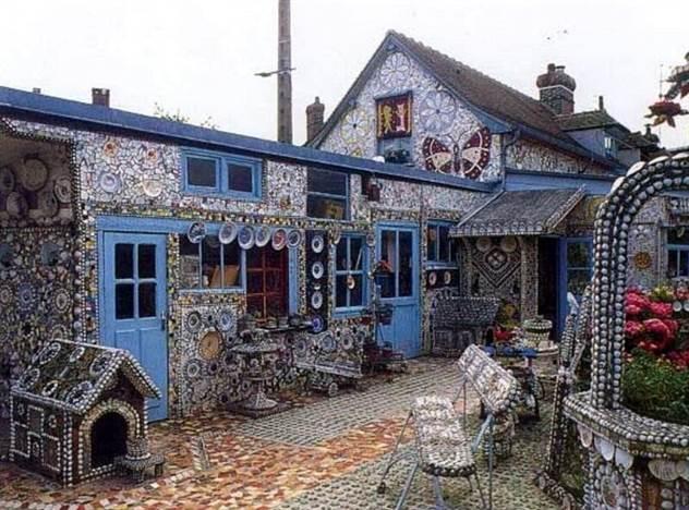 Как выглядит дом из осколков, который мужчина строил 50 лет( 17 фото )