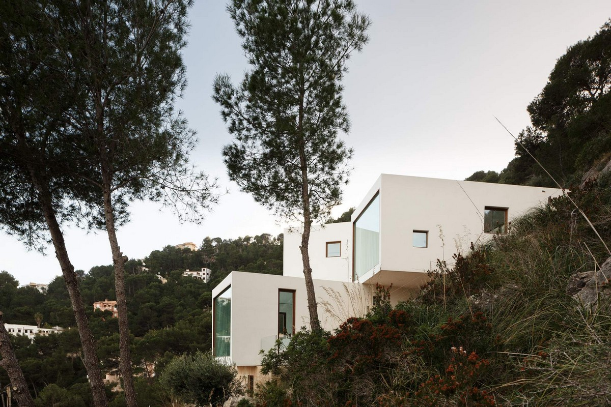Роскошная прибрежная вилла в стиле модерн в Испании