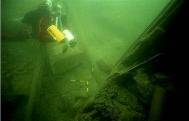 Проект -Аввакум-: как Англия надеялась победить Третий Рейх на море авианосцем из…воды и опилок ( 8 фото )