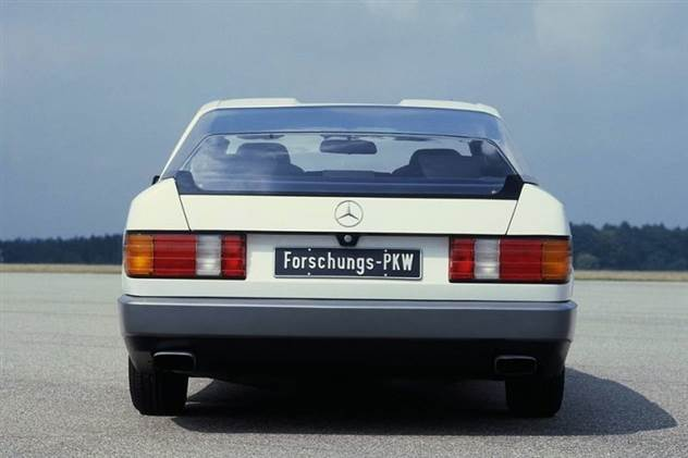 Концепт-кар Mersedes Auto 2000, представленный на франкфуртском автосалоне в 1981 году ( 12 фото )