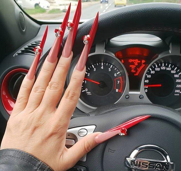 Безвкусные и уродливые ногти модниц