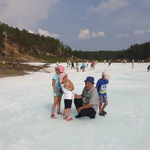 Самый необычный пляж в мире — это ледник в царстве вечной мерзлоты (12 фото)