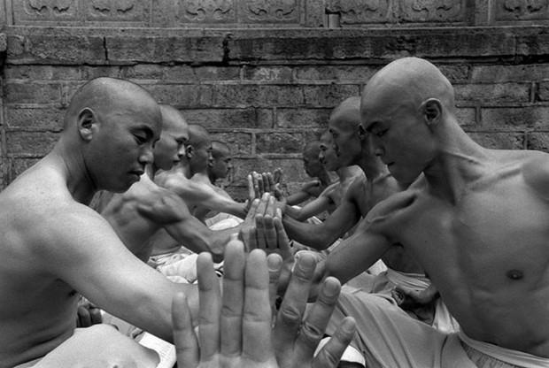 Монахи из Шаолиньского монастыря (10 фото)