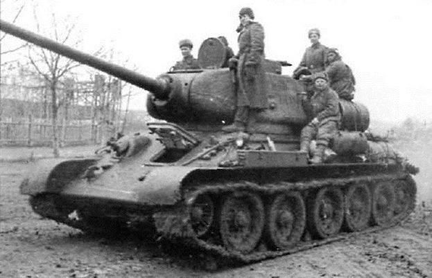 Сколько стоила советская военная техника в начале и в конце ВОВ? ( 4 фото )