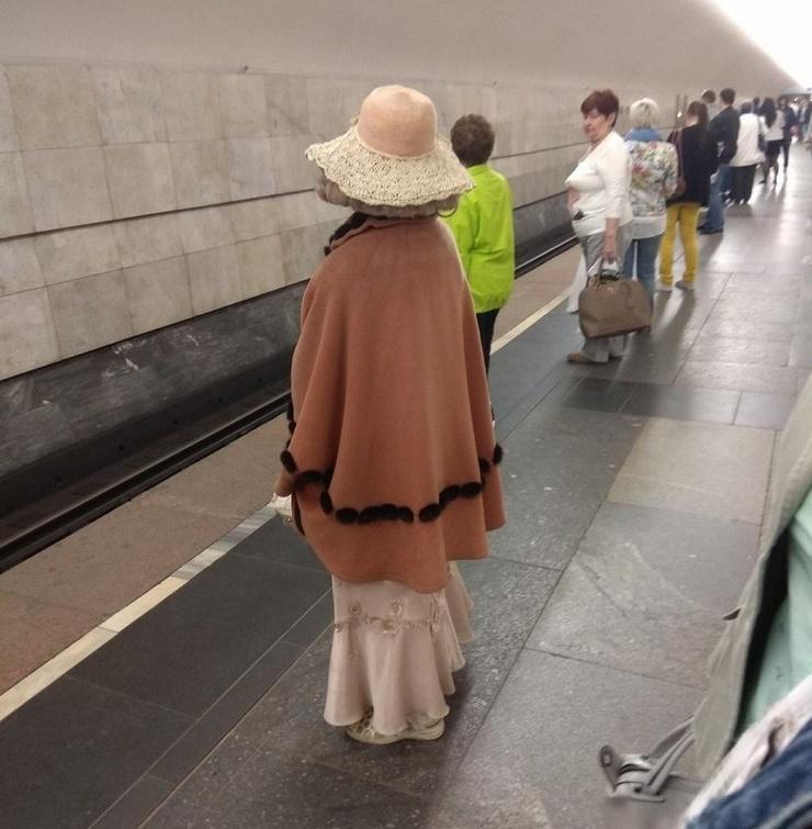 Модники из российского метрополитена  ❘ 20 фото