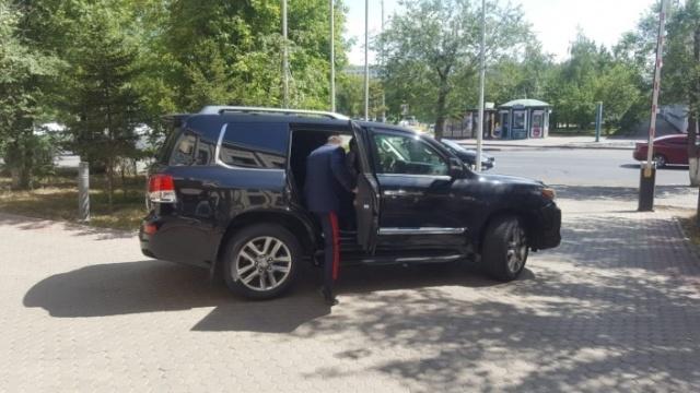 Глава МВД Казахстана и номера на его автомобиле (3 фото)