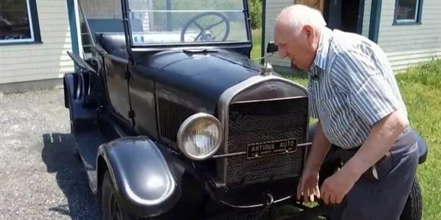 70 лет в одних руках: история пенсионера и его Ford Model T ( 2 фото )