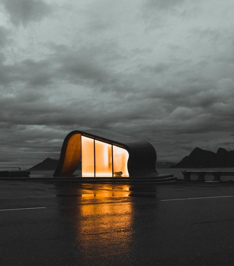 Угадайте, что это за строение с видом на Норвежское море?