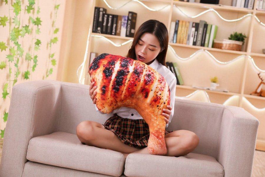 Подушки в виде вкусняшек &8212; новый китайский тренд