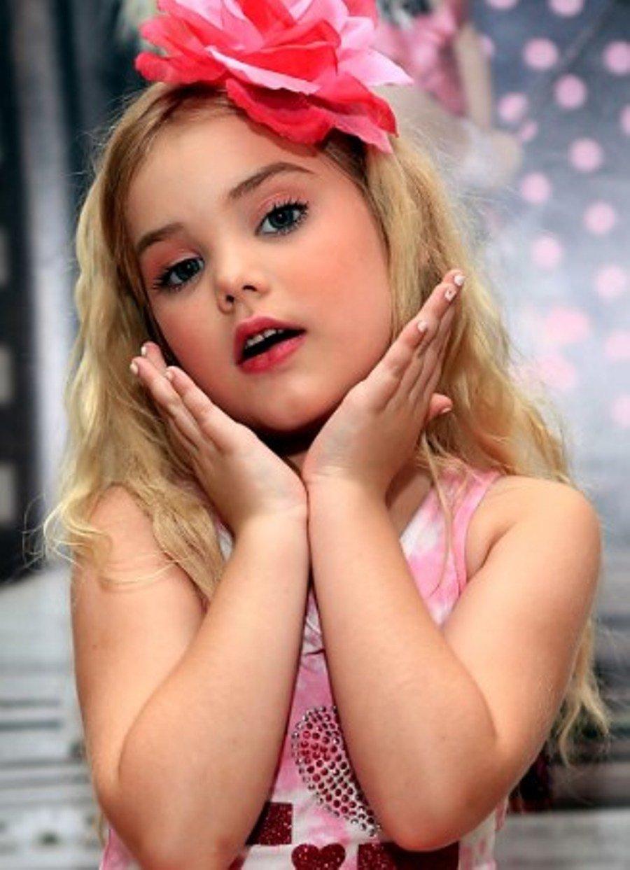 Девочка-модель, чья карьера началась очень рано
