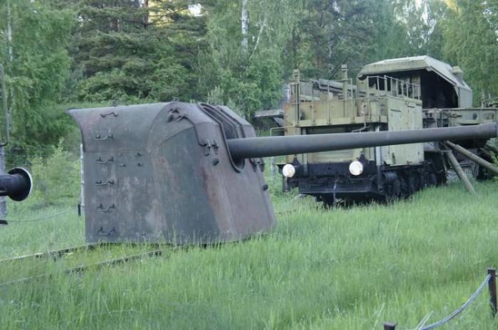 Советский бронепоезд (8 фото)
