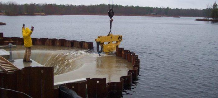 Строительство под водой: каким образом осуществляется такая операция ❘ фото + видео