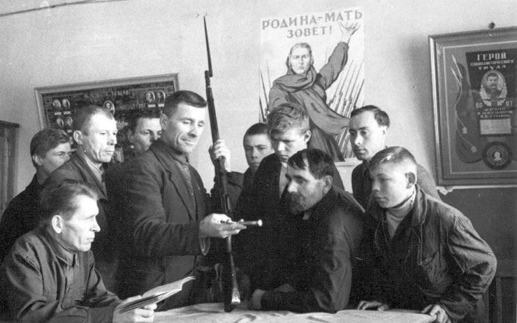 Какие мужчины в СССР имели отстрочку от призыва в Великую Отечественную