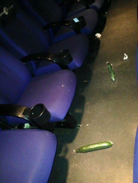 Коротко о походах в кинотеатры(17 фото)