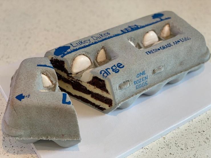 Кондитер из Нью-Джерси выпекает торты, которые похожи на десерты только внутри, но не снаружи ❘ фото
