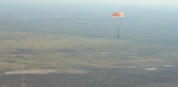 Как космонавты возвращаются на Землю ❘ фото