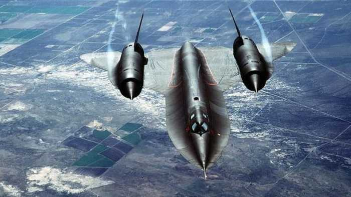 Зачем советским самолетам загадочный конус на носу