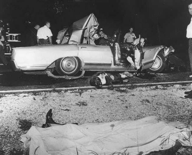 Жизнь и страшная смерть красотки Джейн Мэнсфилд ( 4 фото )