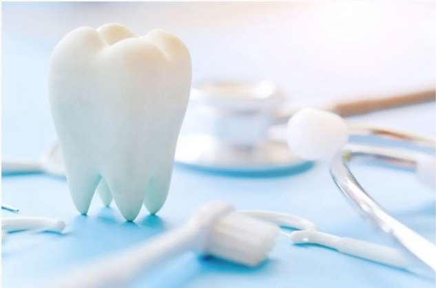 Что делать, если скололась искусственная зубная коронка: выясняем, можно ли провести реставрацию