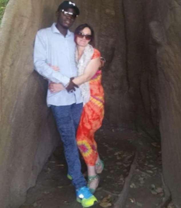 Она бросила 9 детей и мужа и уехала в Африку искать любовь