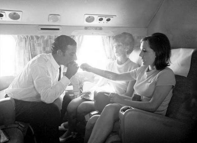 Курение в самолетах: почему появился повсеместный запрет?
