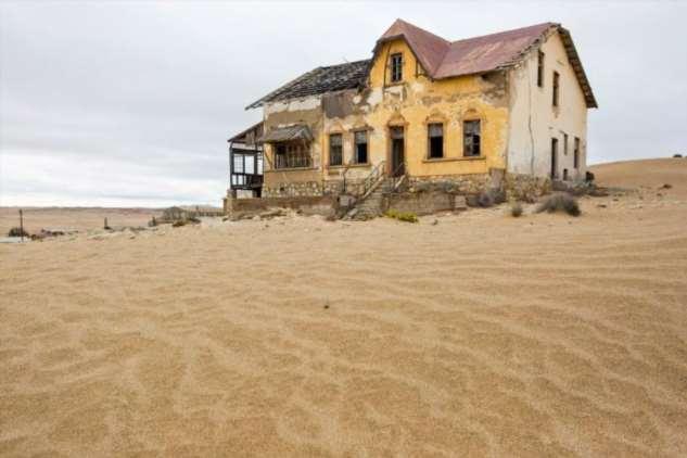 «Алмазный» город-призрак в Намибии (10 фото)