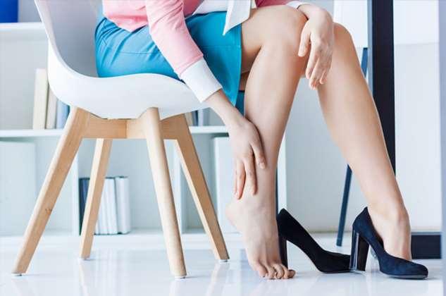 Как правильно разносить обувь, которая жмет и натирает ноги