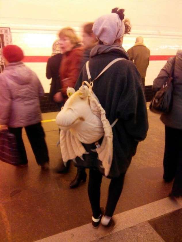 Модники из российского метрополитена ❘ фото