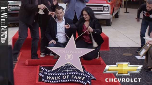 Звезду на «Аллее славы» впервые получил автомобиль ❘ видео