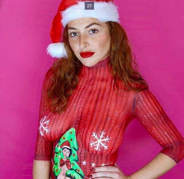Бодиарт — рождественский свитер на обнаженном теле