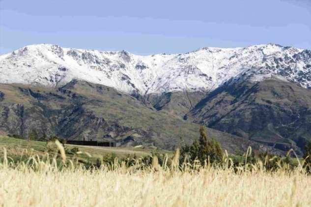 Дом в горном ландшафте Новой Зеландии ❘ фото