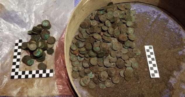 Клад из 10 000 монет обнаружили в подвале старого особняка