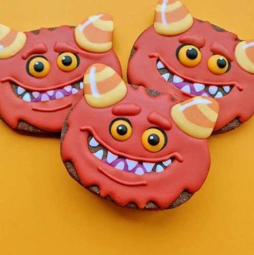 Печенье в виде креативных значков (30 фото)